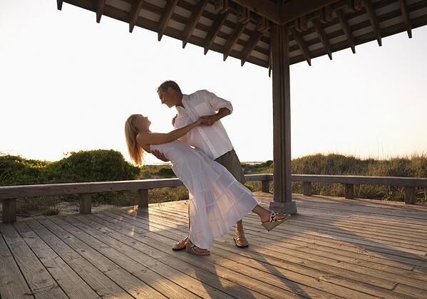 dancing_together-950x666 (2)